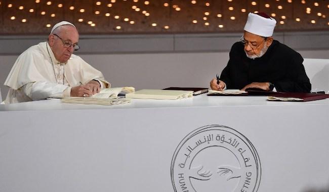 96168_pape-francois-imam-al-azhar-abou-dhabi-000-1d12go.jpg