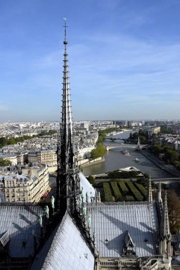 1314053-Flèche_de_Notre-Dame_Paris.jpg
