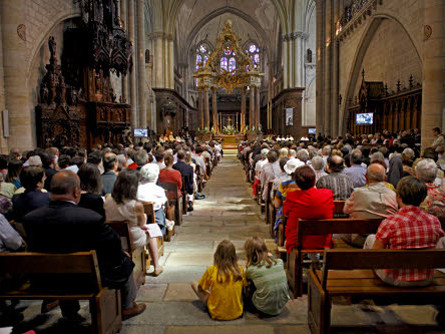 Messe-cathedrale-Angers-Wojteck-Buss-Ciric_0_445_334