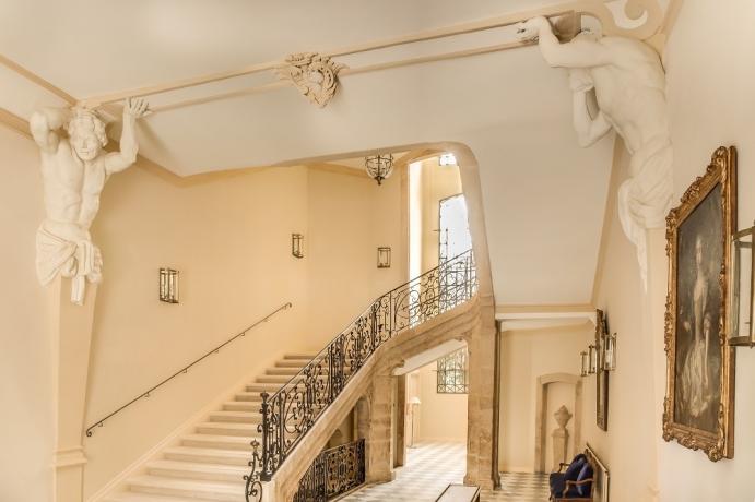 08._caumont_centre_d_art_vestibule_escalier_d_honneur_-_c_s.lloyd__1.jpg