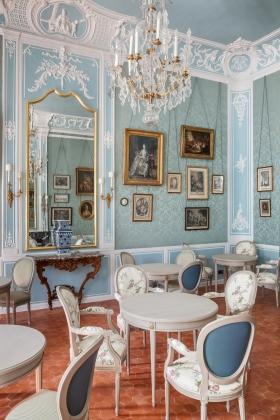 18._caumont_centre_d_art._cafe_caumont_salon_des_rinceaux_-_c_s._lloyd.jpg