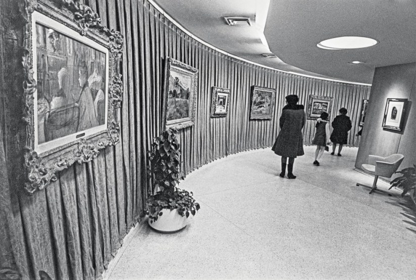 installation-srgm-thannhauser-gallery-1972-henri-de-toulouse-lautrec-in-the-salon.jpg