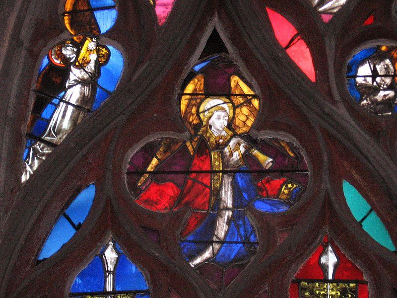 800px-63_Détail_de_vitrail_-_Sainte-Chapelle_-_Riom.jpg