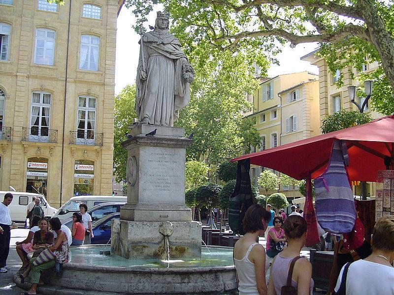 800px-Fontaine_du_Roi_René_(2852097719).jpg