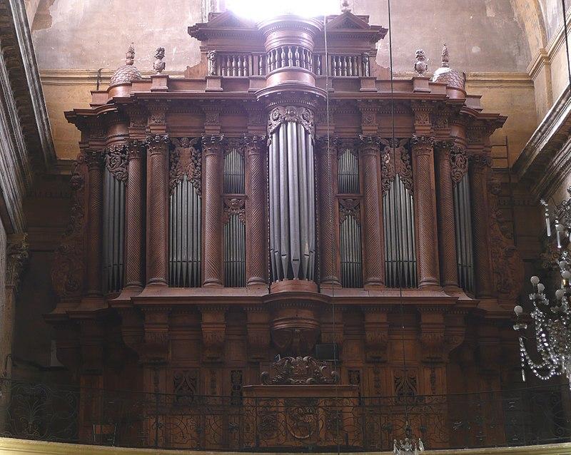 800px-Orgue_d'Aix-en-Provence,église_du_St_Esprit01