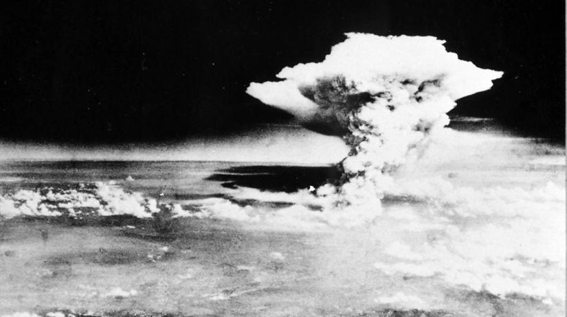 une-bombe-atomique-etait-larguee-sur-hiroshima_5392863.jpg