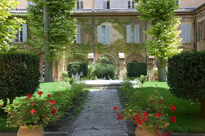 Aix-en-Provence_cloître_Couvent_des_Prêcheurs