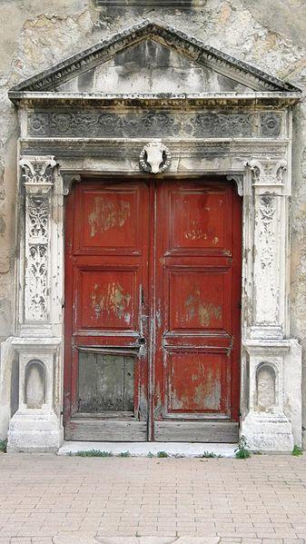 Portail_Renaissance_de_la_chapelle_Notre-Dame_de_la_Consolation_à_Aix-en-Provence.JPG
