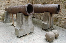 220px-Cannons_abandonded_by_Thomas_Scalles_at_Mont_Saint-Michel