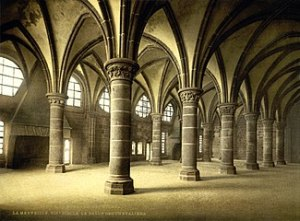 325px-Flickr_-_…trialsanderrors_-_Knights'_hall,_la_Merveille,_abbaye_de_Mont-Saint-Michel,_Normandy,_France,_ca._1895