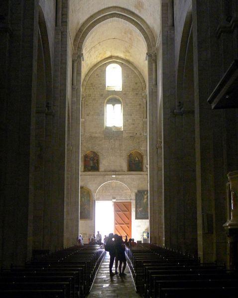 P1320467_Arles_eglise_St-Trophime_nef_rwk1