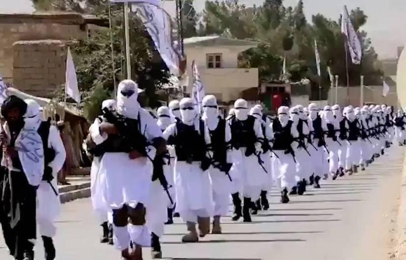 830x532_des-talibans-paradent-dans-la-province-de-zabul-au-sud-est-de-l-afghanistan-illustration